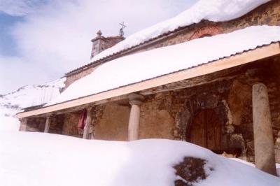 Iglesia Piedrafita nevada